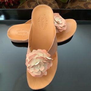 Kork Ease blush leather sandals sz 8